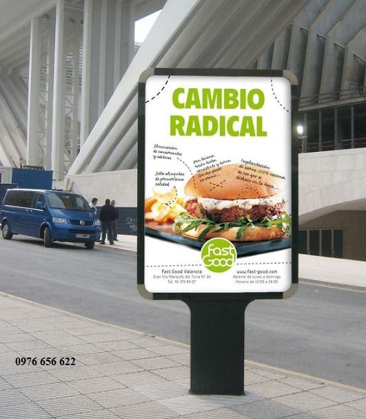 Bảng hiệu quảng cáo đứng